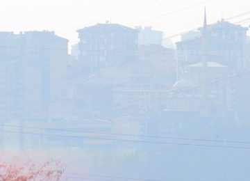 İSTANBUL'DA HAVA KİRLİLİĞİ ÜST SEVİYELER ÇIKTI, ASİT YAĞMURU BEKLENİYOR