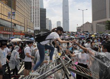 SÖNMEZ ÇETİNKAYA YAZDI- HONGKONG'DA ŞİDDETİN ZİRVEYE ÇIKTIĞI ZAMANDA YAPILAN YEREL SEÇİM SONUÇLARI NE İFADE EDİYOR?
