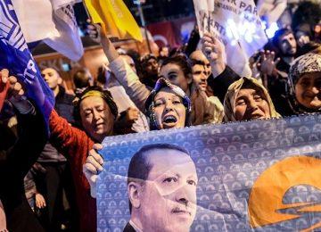 AKP'NİN SEÇİM STRATEJİSİ BELLİ OLDU: RAMAZANDA İFTAR VE SAHUR PROGRAMLARINA AĞIRLIK VERİLECEK-YEREL VE İNTERNET ODAKLI KAMPANYA YAPILACAK