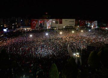 ANTALYA'DA YER YERİNDEN OYNADI- İNCE'YE BÜYÜK İLGİ