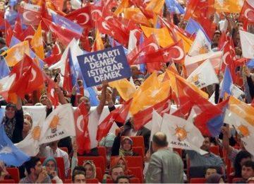 ANKETLER, ANALİZLER, DURUM SAPTAMALARI, YOL HEP AYNI NOKTAYA ÇIKIYOR: AKP TABANINDA ÇÖZÜLME VAR