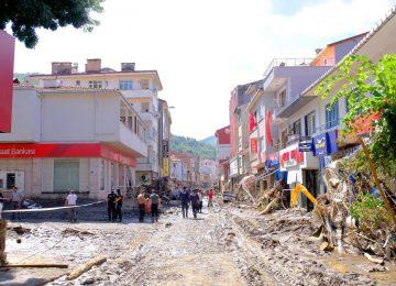 HAYATIN NEREDEYSE BİTTİĞİ BOZKURT'TA ESNAF PERİŞAN