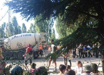 ODTÜ'DE 'VİCDAN' KAZANDI, AĞAÇ KESİMİ DURDU