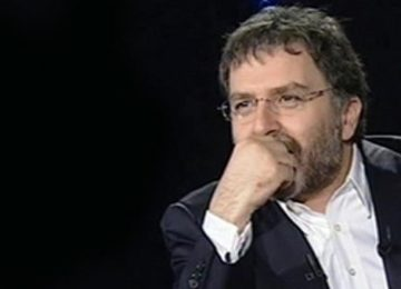"""AHMET HAKAN'DAN """"OLMAYACAK DUAYA AMİN"""" YAZISI"""