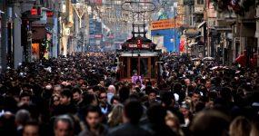 İSTANBUL'DA YAŞAMAK YÜREK İSTER..KENTTE STRES SEVİYESİ 10 ÜZERİNDEN 7.4
