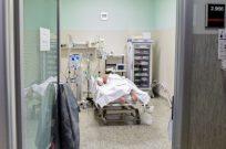 DR ÖZMUMCU: KORONA HASTALARINDA DELİRYUM BENZERİ BİR TABLO OLUŞUYOR